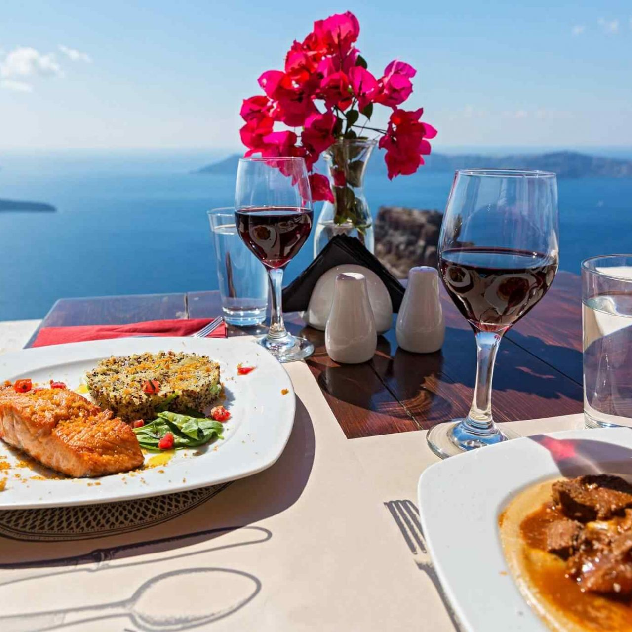 https://theglam.es/wp-content/uploads/2017/10/restaurant-italian-25-1280x1280.jpg